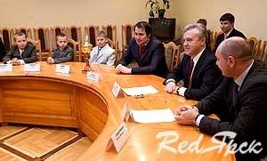 Александр Усс встретился с детской командой футбольного клуба «Металлург»