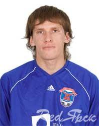 Альмир Мухутдинов: «Нам просто надо первыми забить гол...»